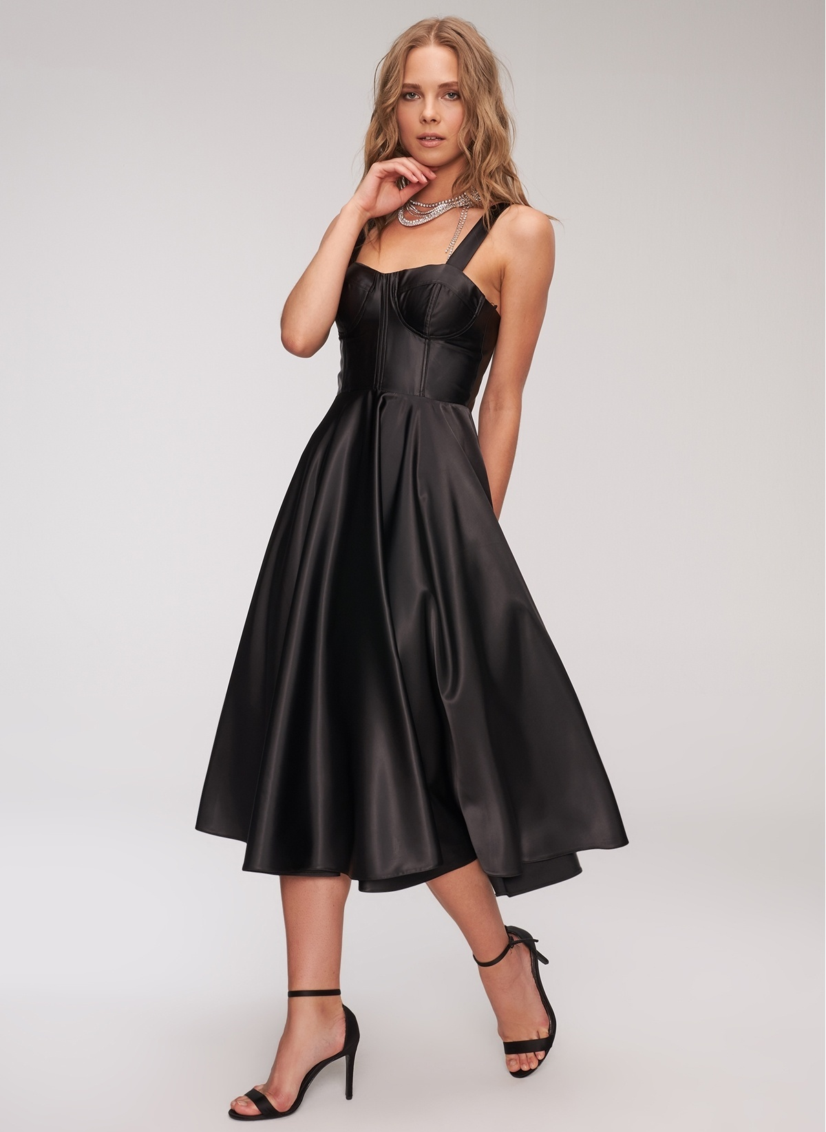 12ac39c011db6 People By Fabrika Kadın Saten Elbise Siyah İndirimli Fiyat | Morhipo ...